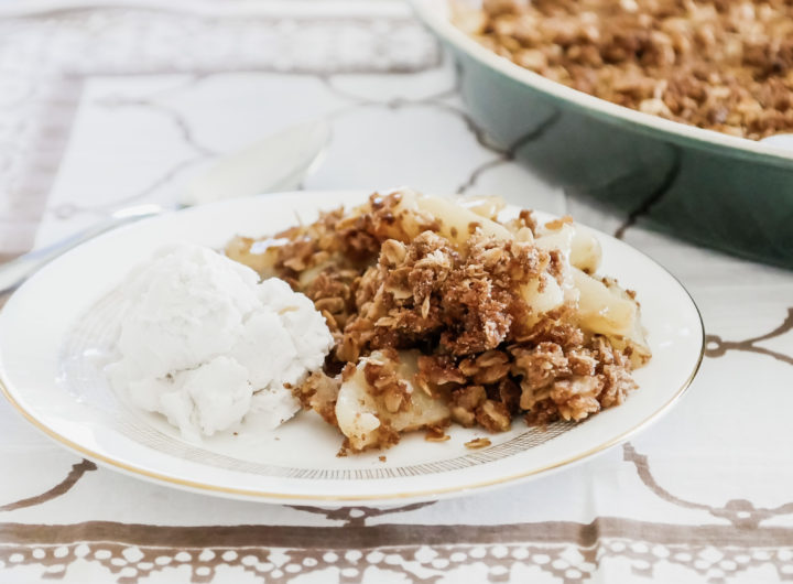 Eva Amurri shares an easy Pear & Ginger Crumble Recipe