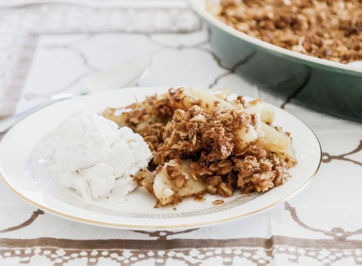 Eva Amurri shares an easy Pear & Ginger Crumble Recipe