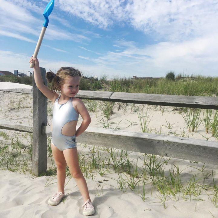 Eva Amurri shares tips & tricks for a stress-free family beach day