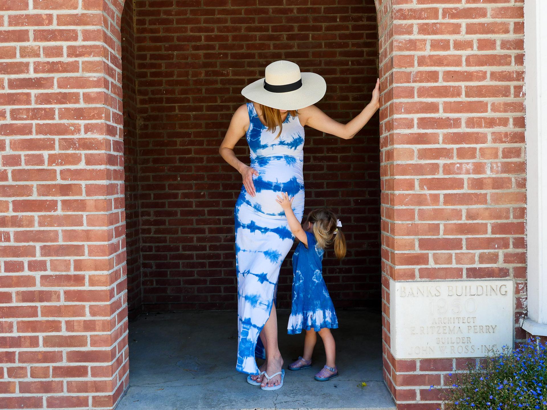 Blogger Eva Amurri shares an easy Shibori tie dye DIY