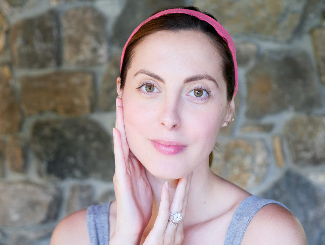 Eva Amurri Martino of lifestyle blog Happily Eva After showing how she preps her skin for Fall with Vichy products