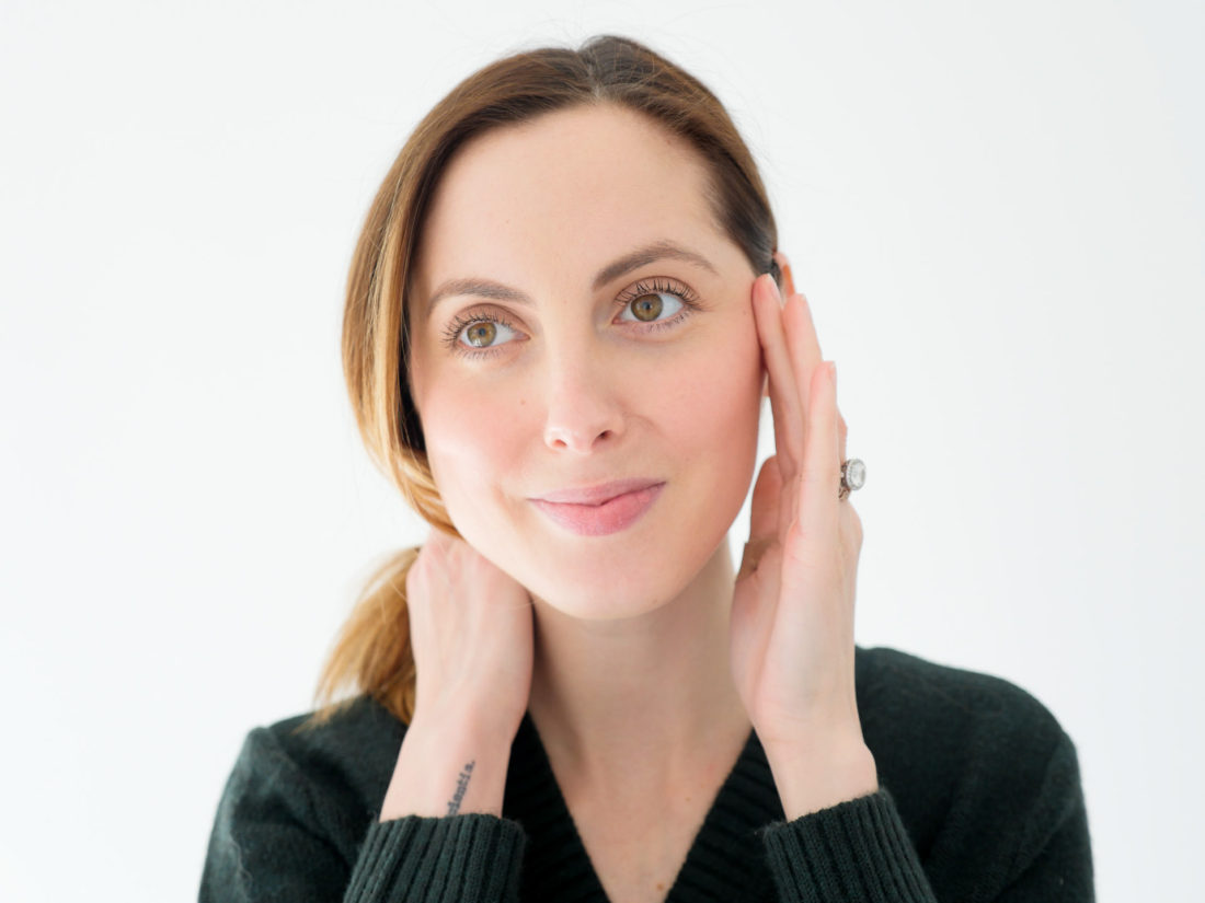 Eva Amurri Martino demonstrating her smooth glowing skin