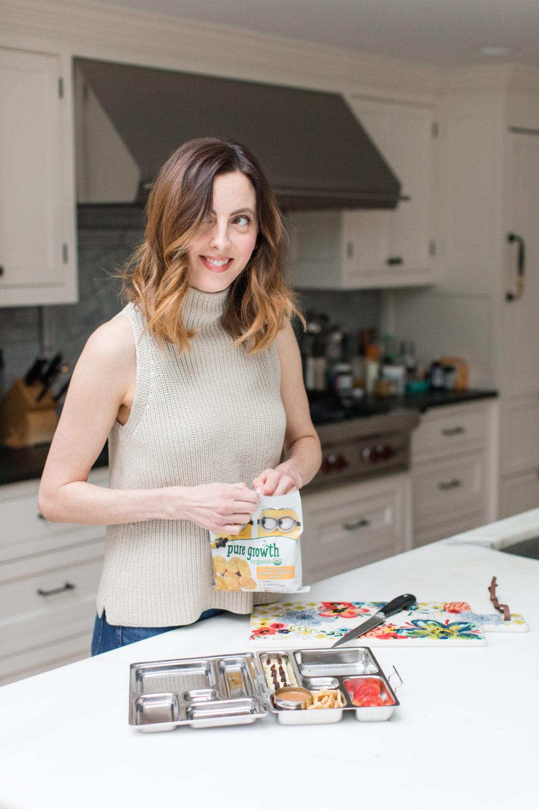 Eva Amurri Martino packs a Minion themed lunch her her daughter Marlowe