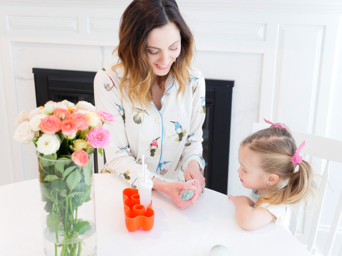 "Eva Amurri Martino makes ""sparkle"" ice pops to help keep Marlowe's fever at bay"