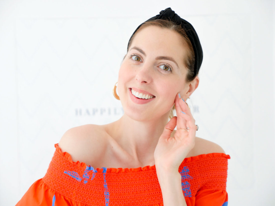 Eva Amurri Martino shows off the m-61 power glow peel as a part of her monthy obsessions roundup