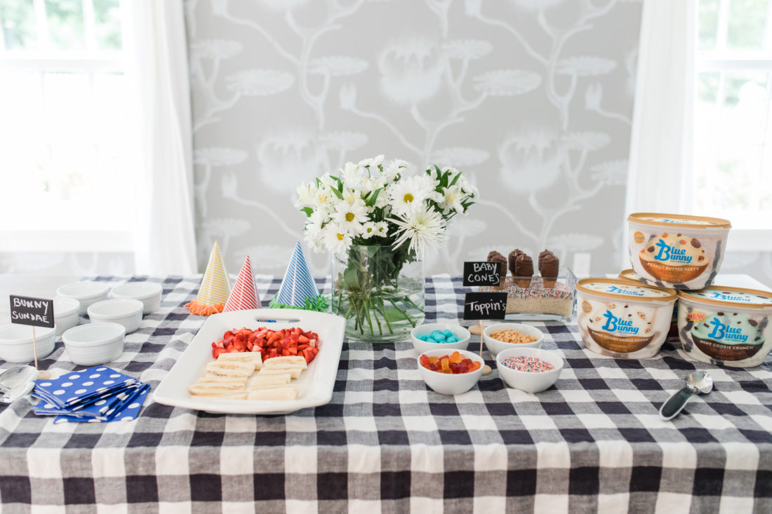 Eva Amurri Martino throws a family friendly ice cream social at her Connecticut home