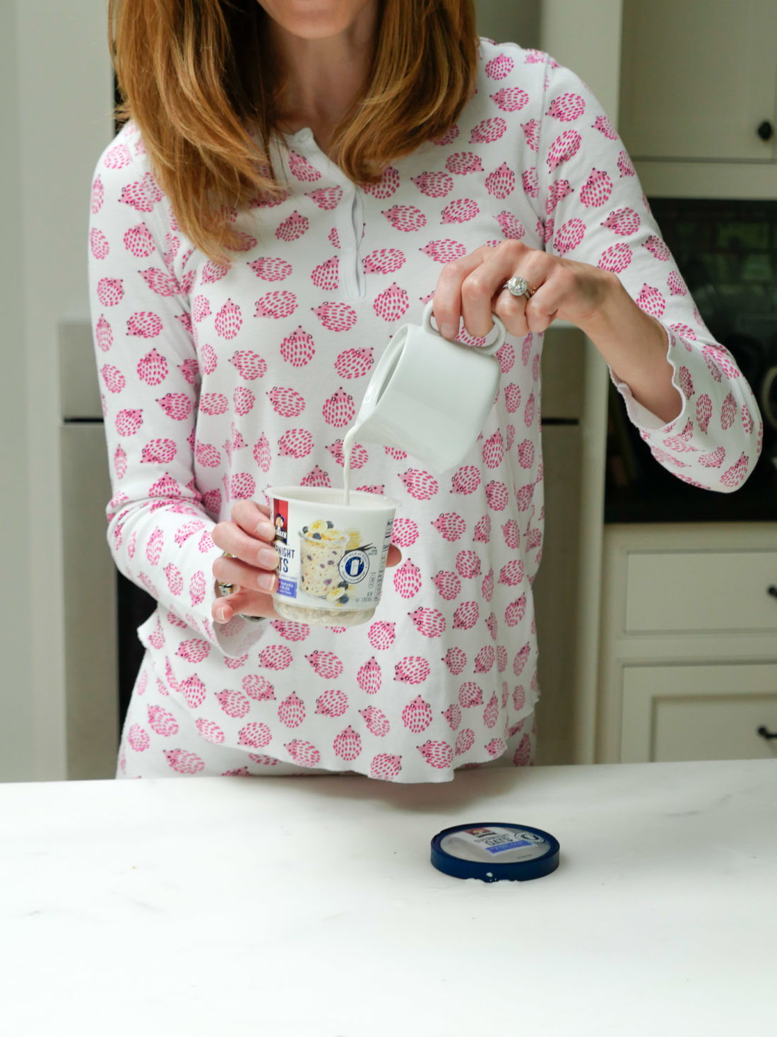 Eva Amurri Martino prepares her Quaker Overnight Oats the night before