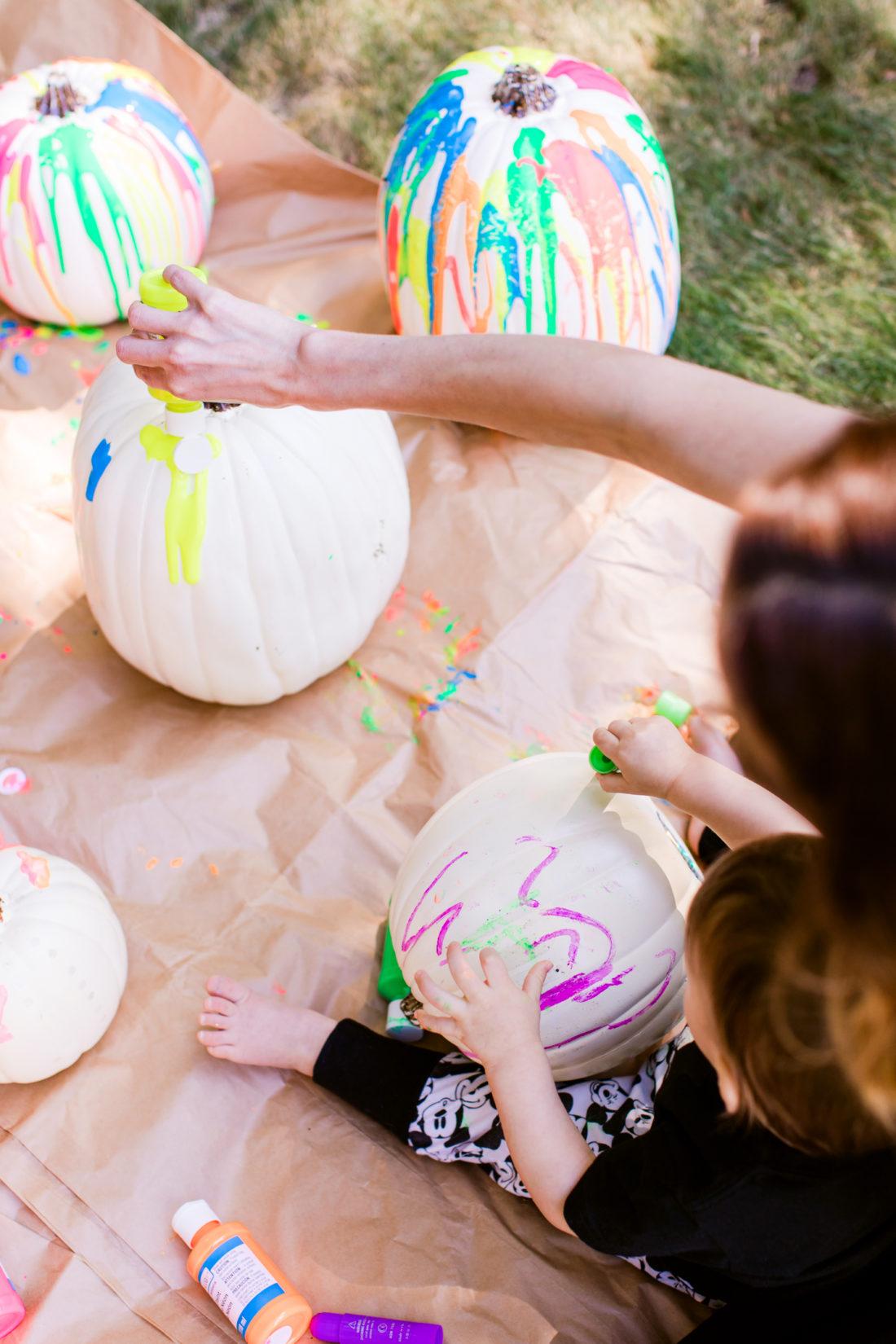 Eva Amurri Martino and Major Martino create some DIY technicolor pumpkins together