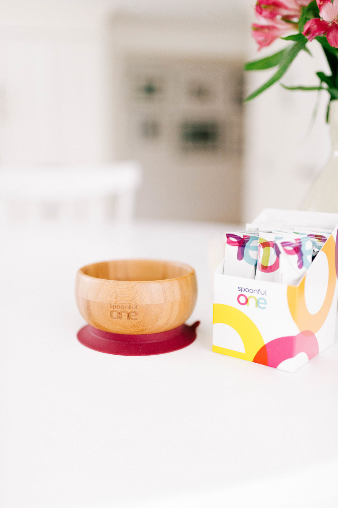 A SpoonfulOne feeding bowla and dose packets sit on the ktichen table in Eva Amurri Martino's connecticut home