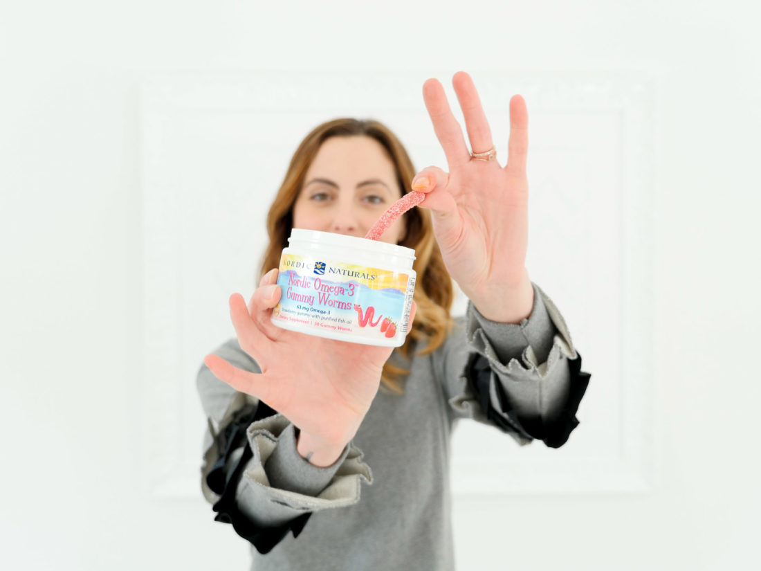 Eva Amurri Martino selects an Omega-3 gummy worm