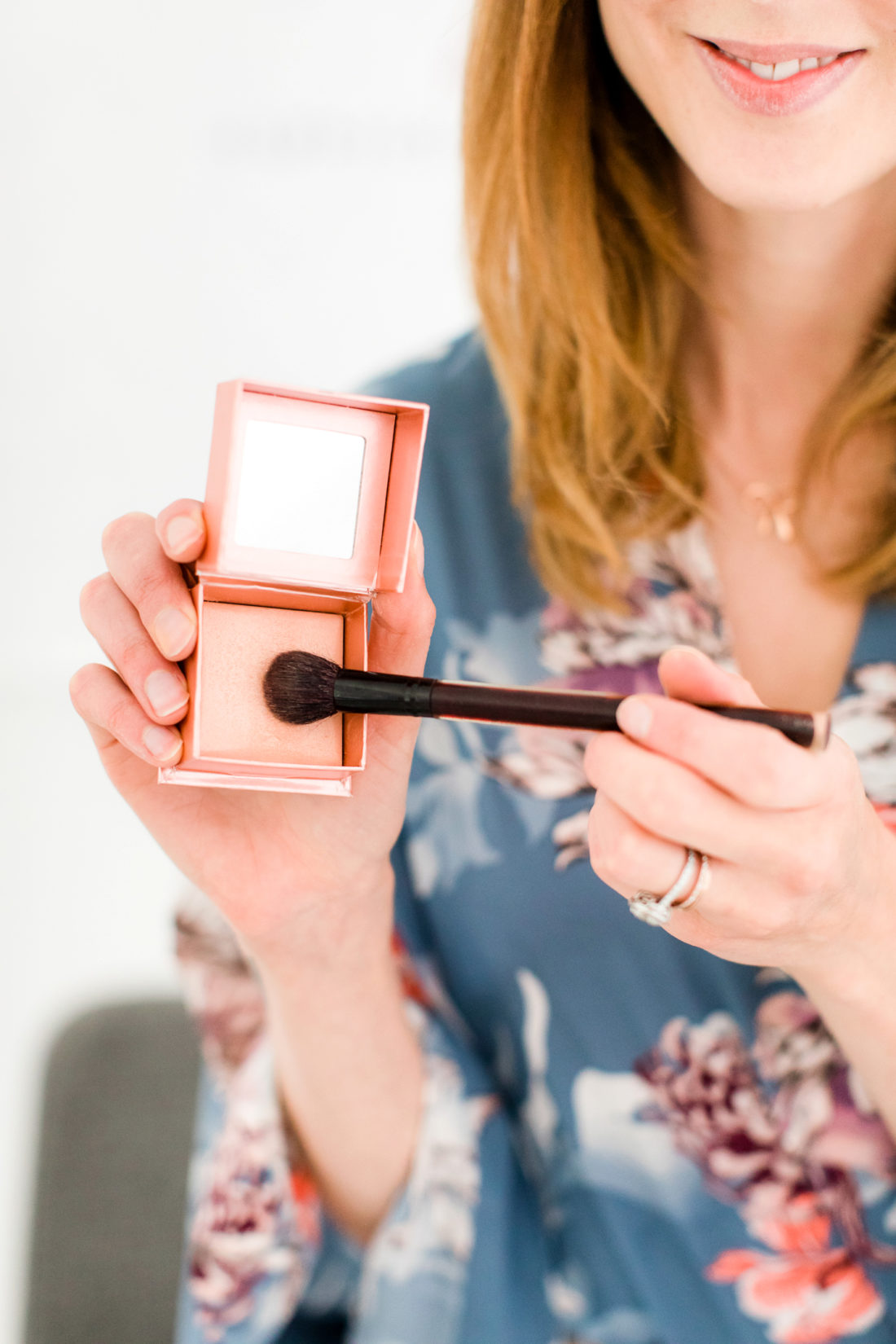 My photo shoot makeup look happily eva after eva amurri martino applies highlighter as part of her photo shoot makeup tutorial baditri Images