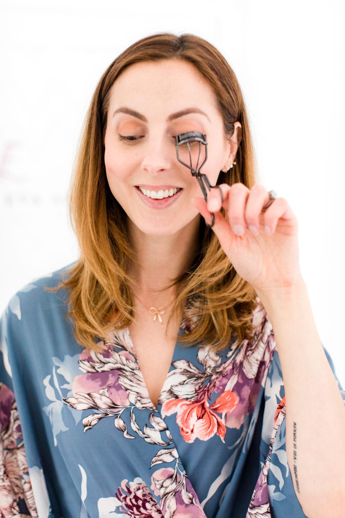 Eva Amurri Martino curls her eyelashes
