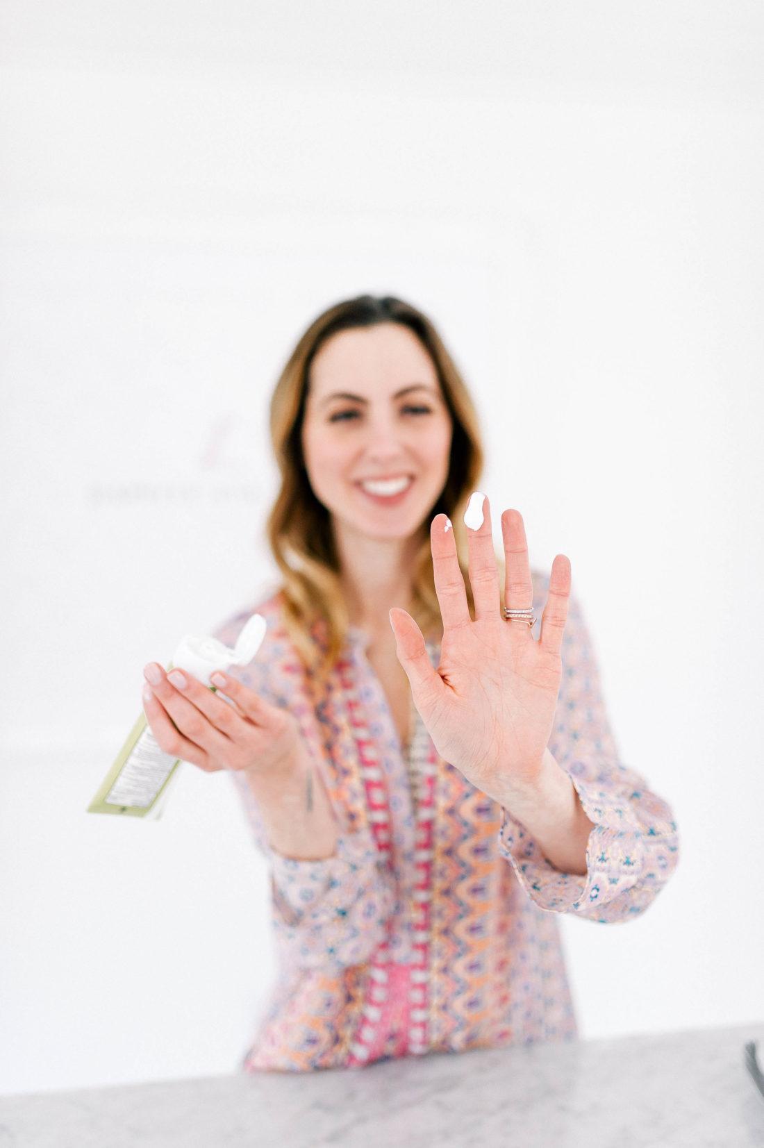 Eva Amurri Martino tests out an all natural diaper cream