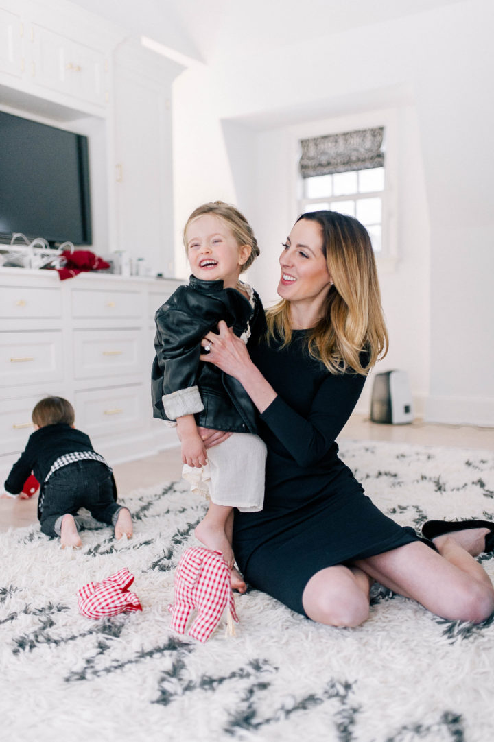 Eva Amurri Martino and daughter Marlowe Mae play on the floor of their Connecticut home
