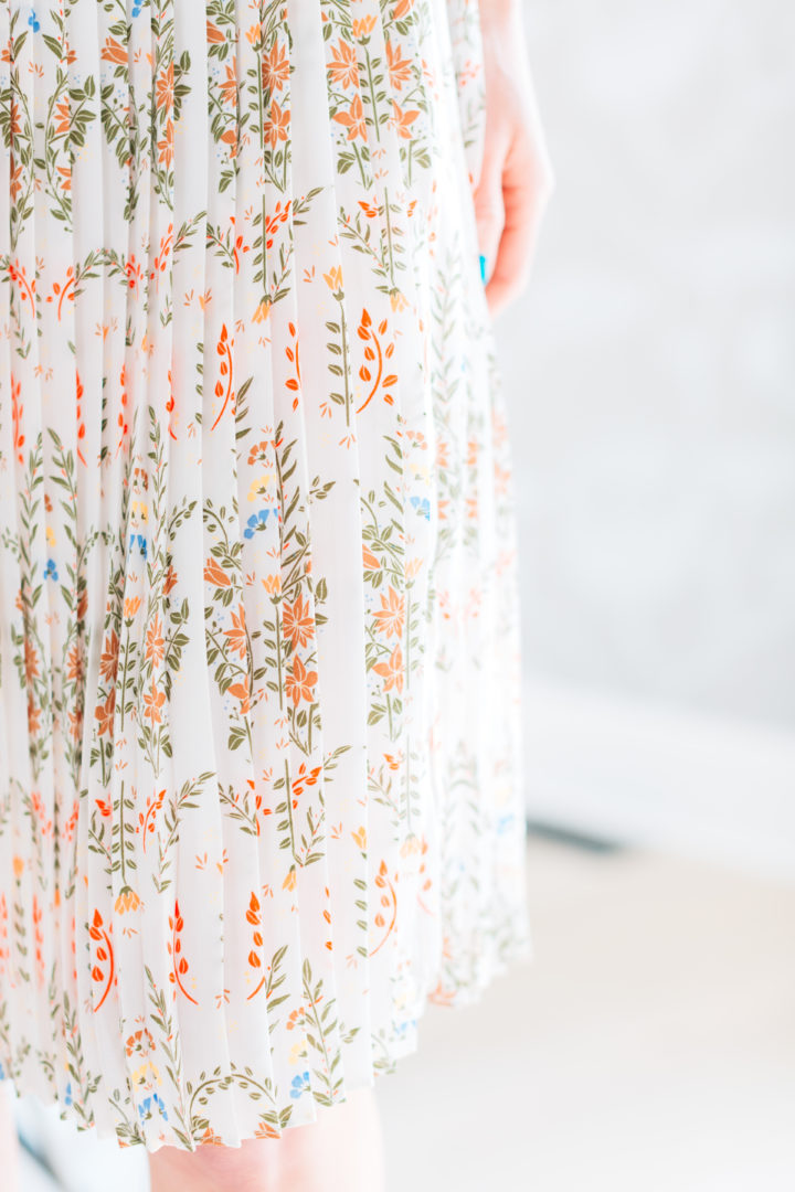 Details on a vintage inspired dress worn by Eva Amurri Martino