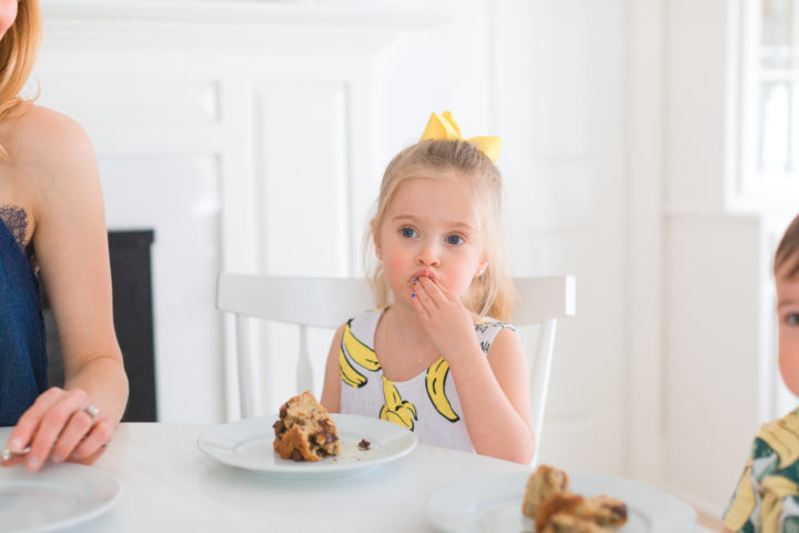Eva Amurri Martino's daughter Marlowe eats dairy free banana bread
