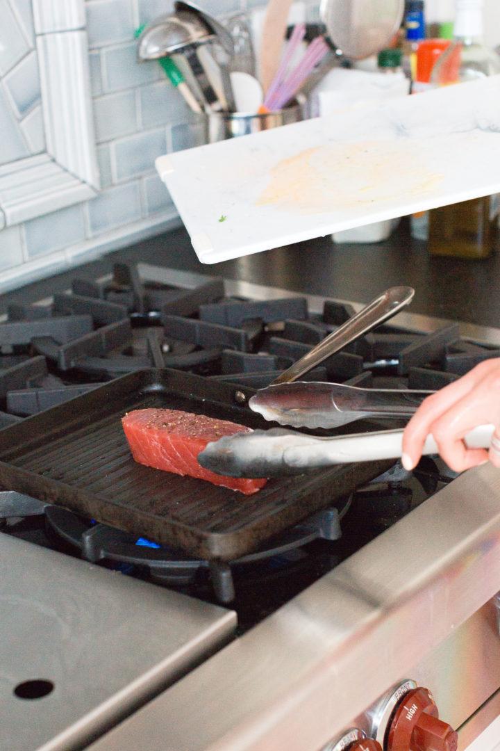 Eva Amurri Martino grills up tuna with mango salsa at her house in Connecticut