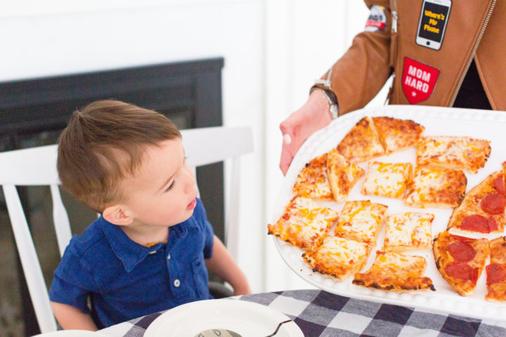 Eva Amurri Martino shows her kids what's for dinner