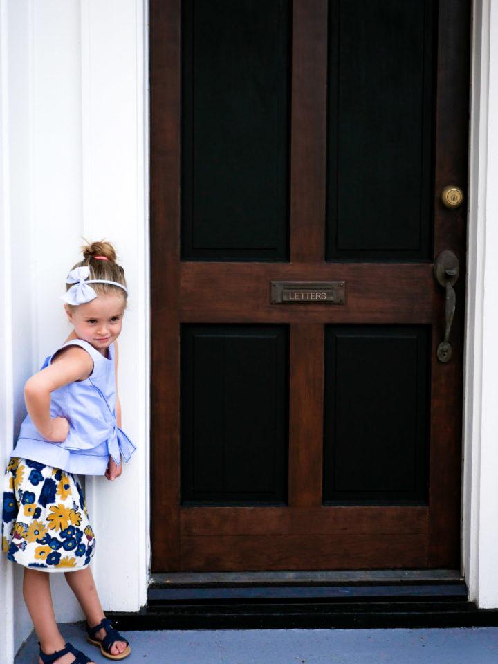Eva Amurri Martino's daughter Marlowe poses outside a building in Charleston.