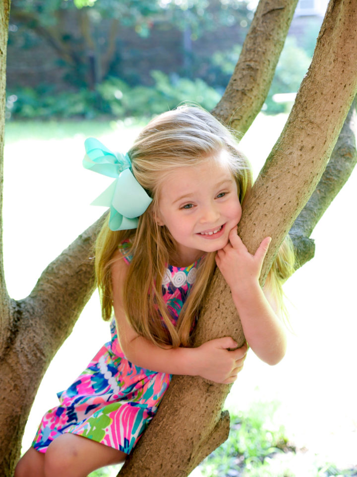 Eva Amurri Martino's daughter Major climbs a tree in Charleston