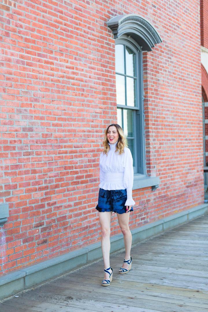 Eva Amurri Martino walks around Westport, CT