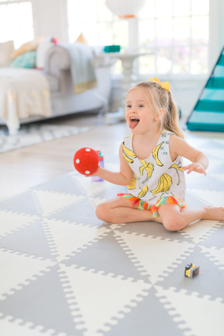 Eva Amurri Martino's daughter Marlowe plays on the floor her Connecticut home