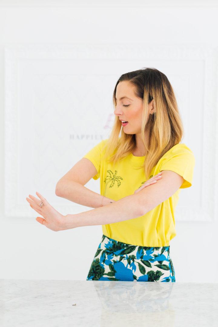 Eva Amurri Martino admires her glowey skin