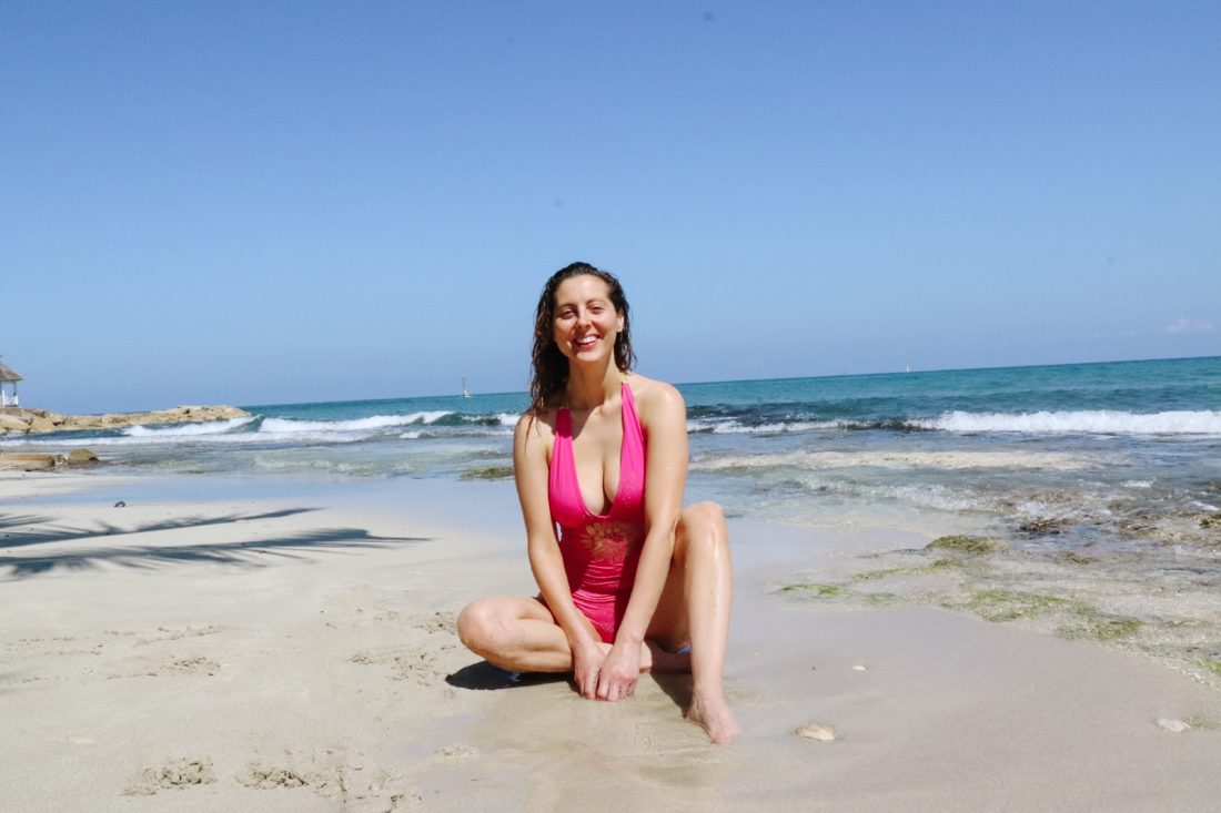 Eva Amurri Martino wears her HEA x Masala Baby bathing suit and shares her tips for the best faux tan