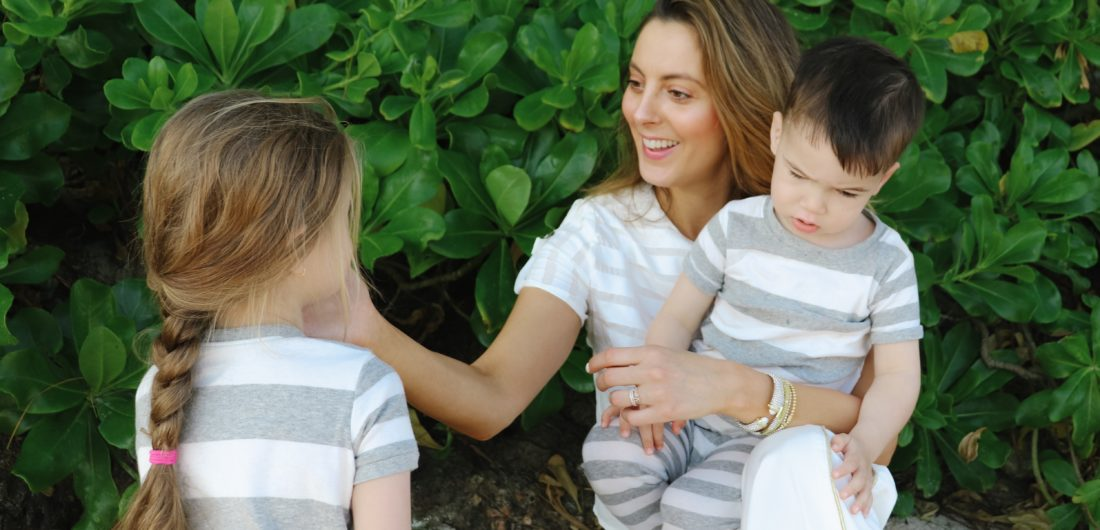 Eva Amurri Martino plays with her kids on the beach in Connecticut
