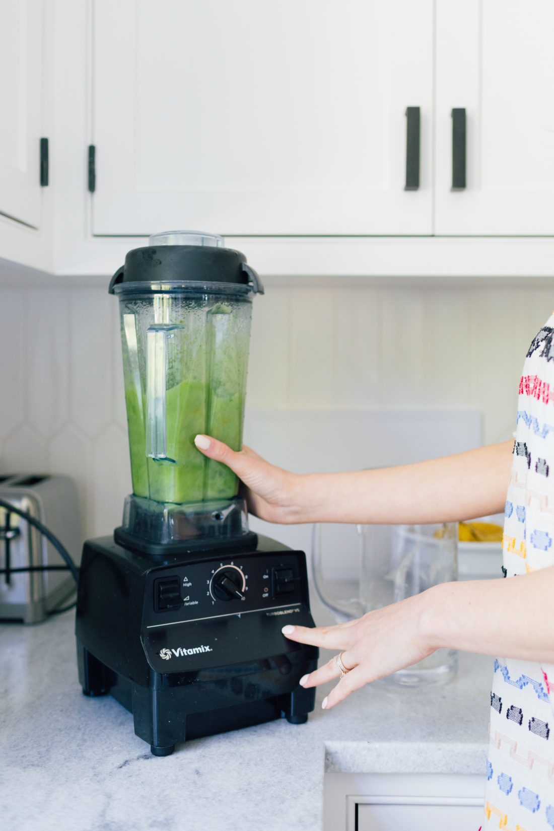 Eva Amurri Martino of Happily Eva After blends cucumber juice for cucumber margaritas