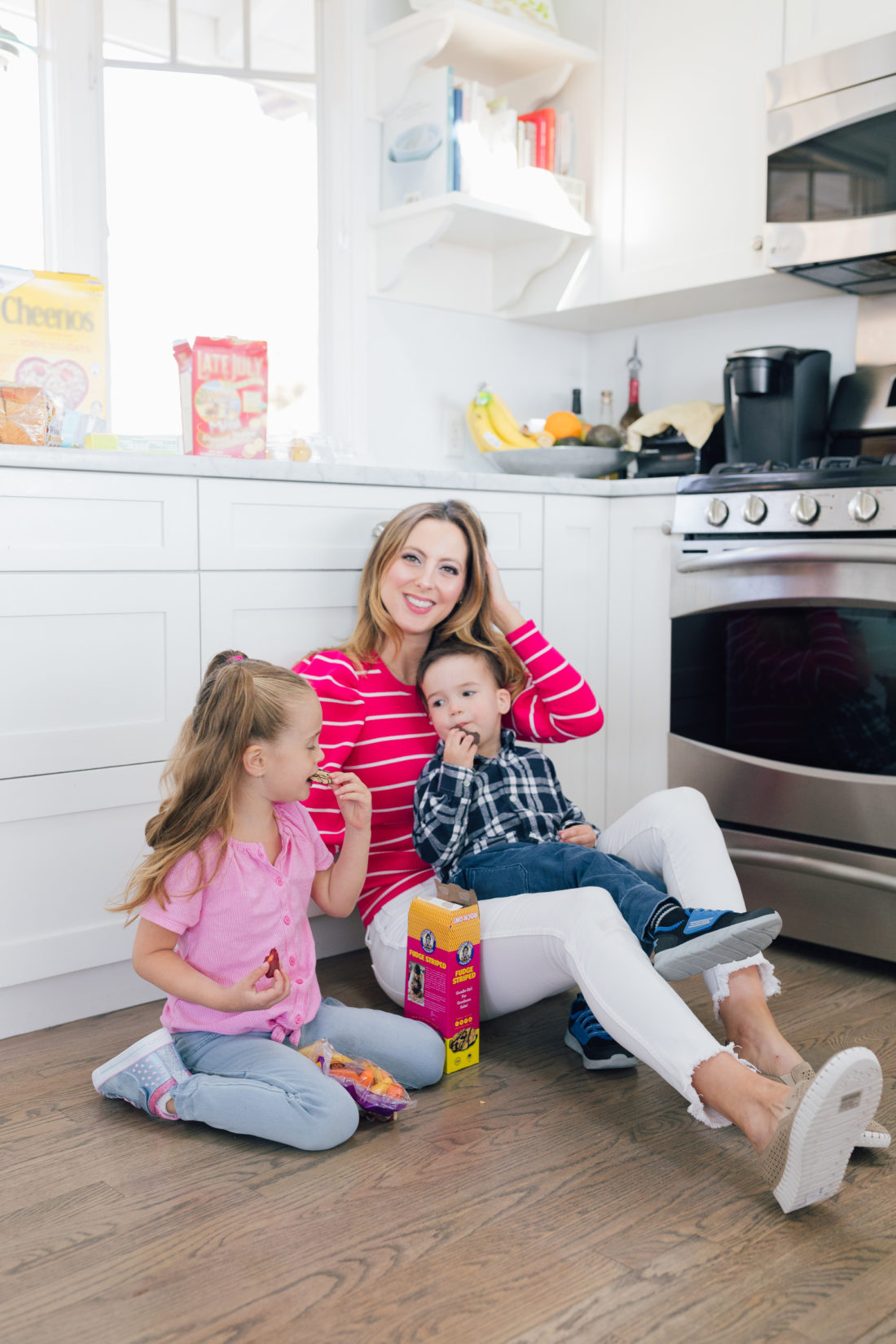 Eva Amurri Martino of Happily Eva After wears Skechers wears Sepulvada Blvd a la Mode Slip-On in the kitchen with her kids Marlowe and Major