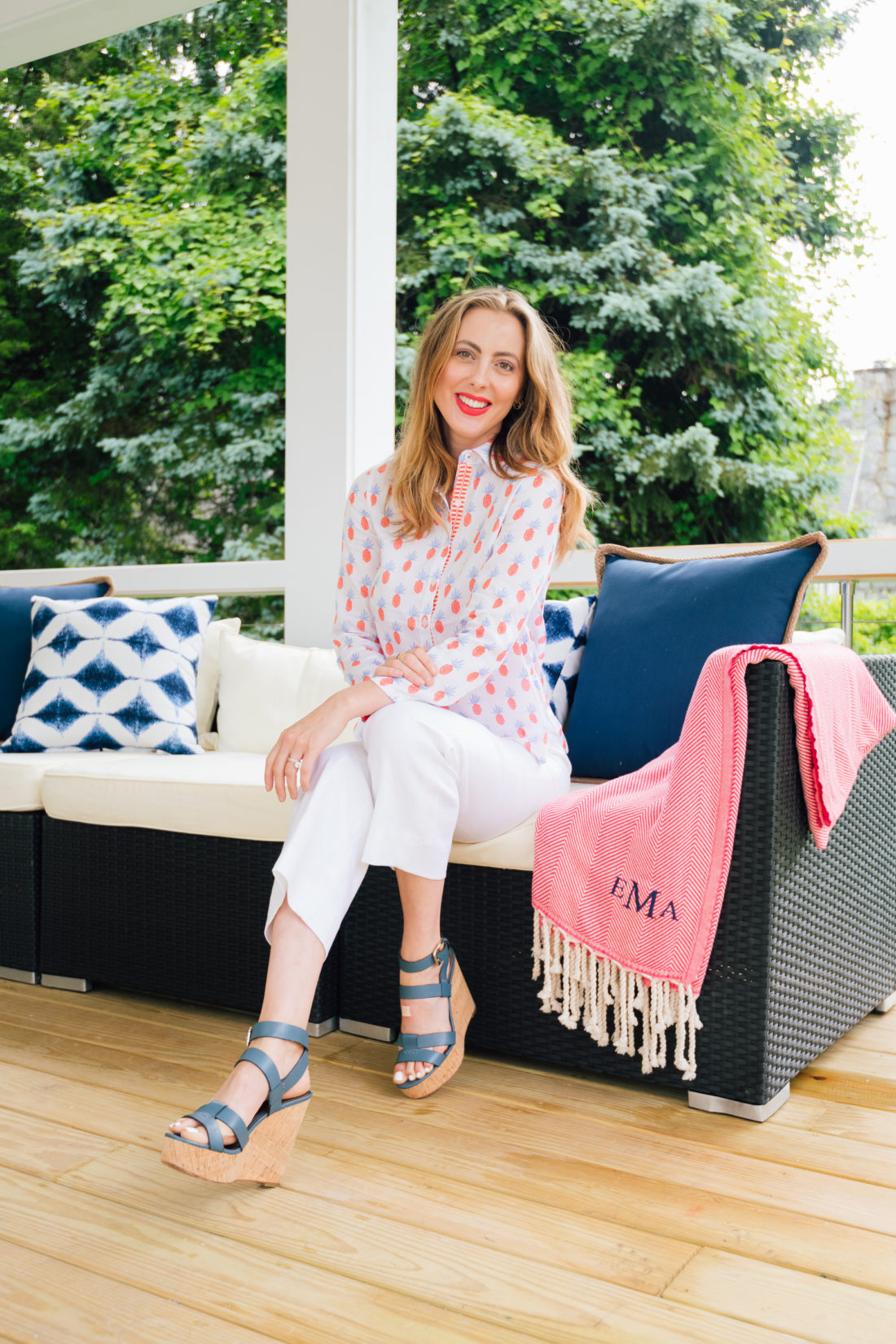 Eva Amurri Martino hangs out on the couch at her summer clambake