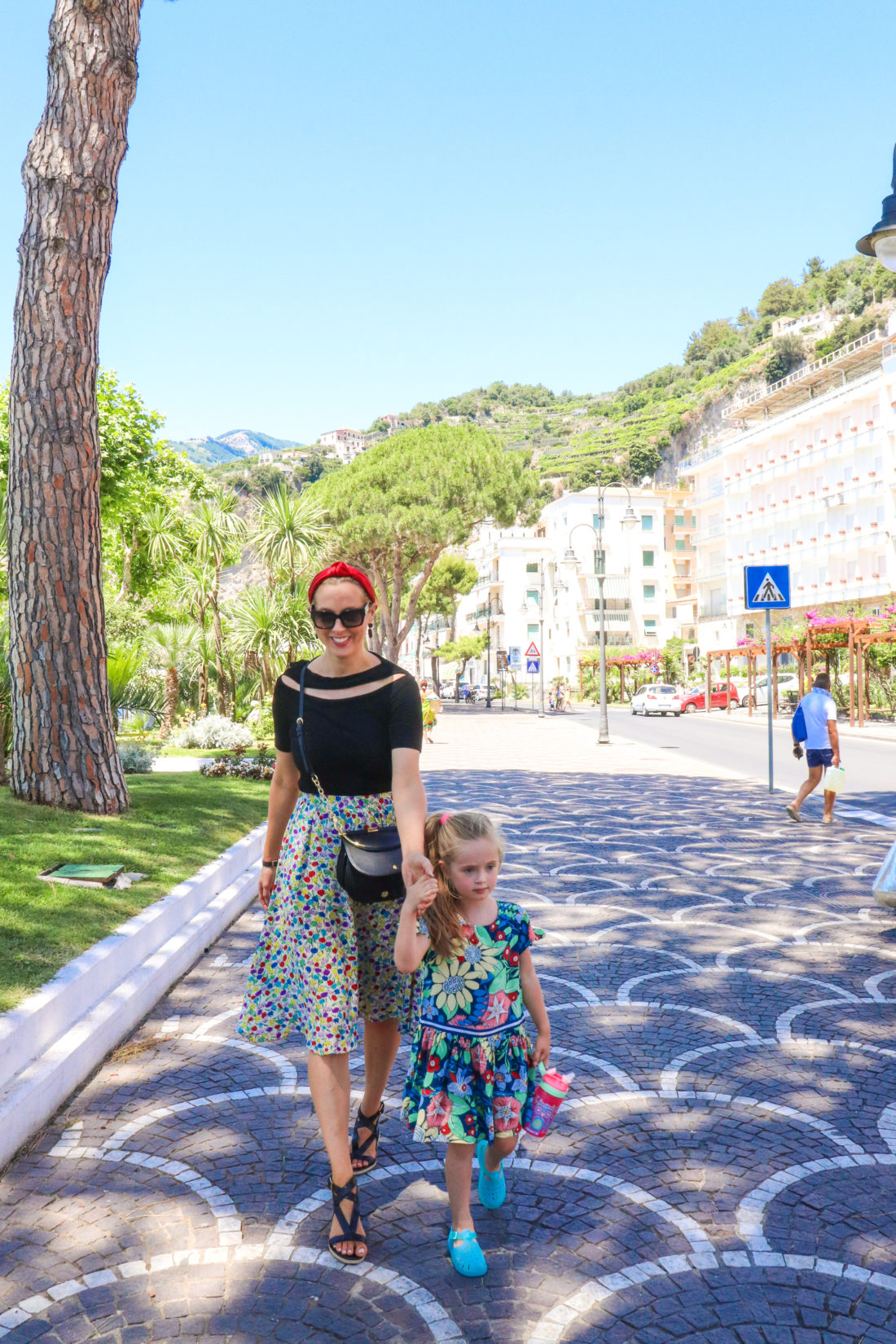 Eva Amurri Martino and daughter Marlowe walk in Italy
