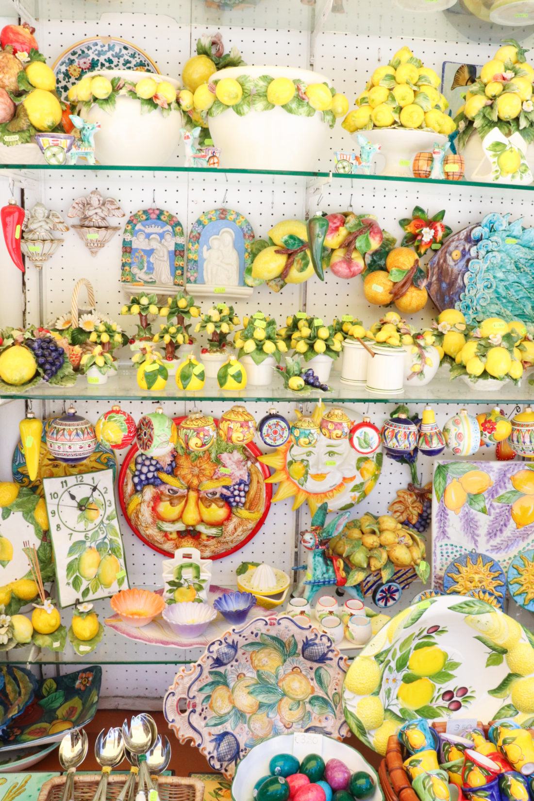 Lemon knicknacks in Amalfi