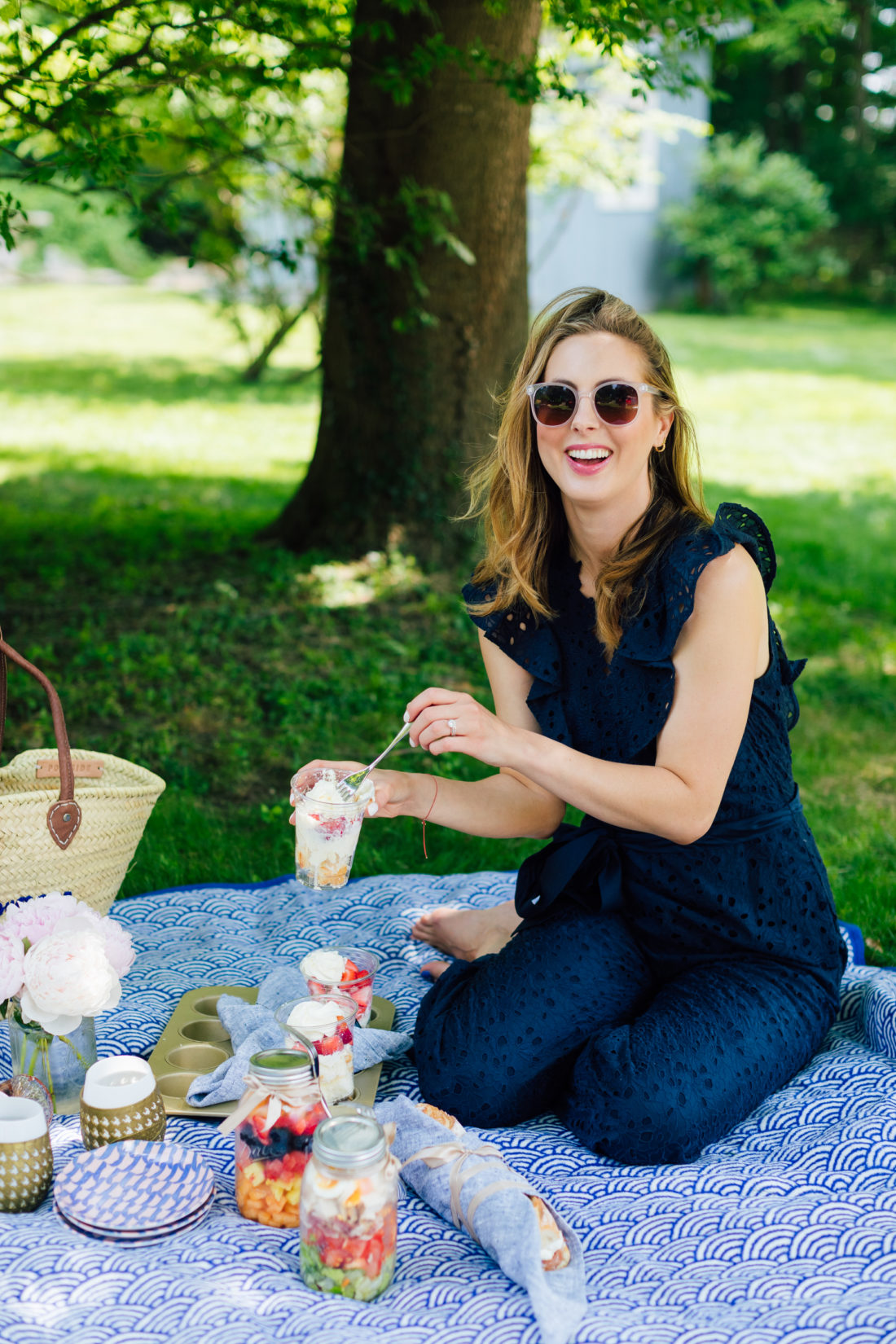 Eva Amurri Martino enjoys a picnic in her backyard