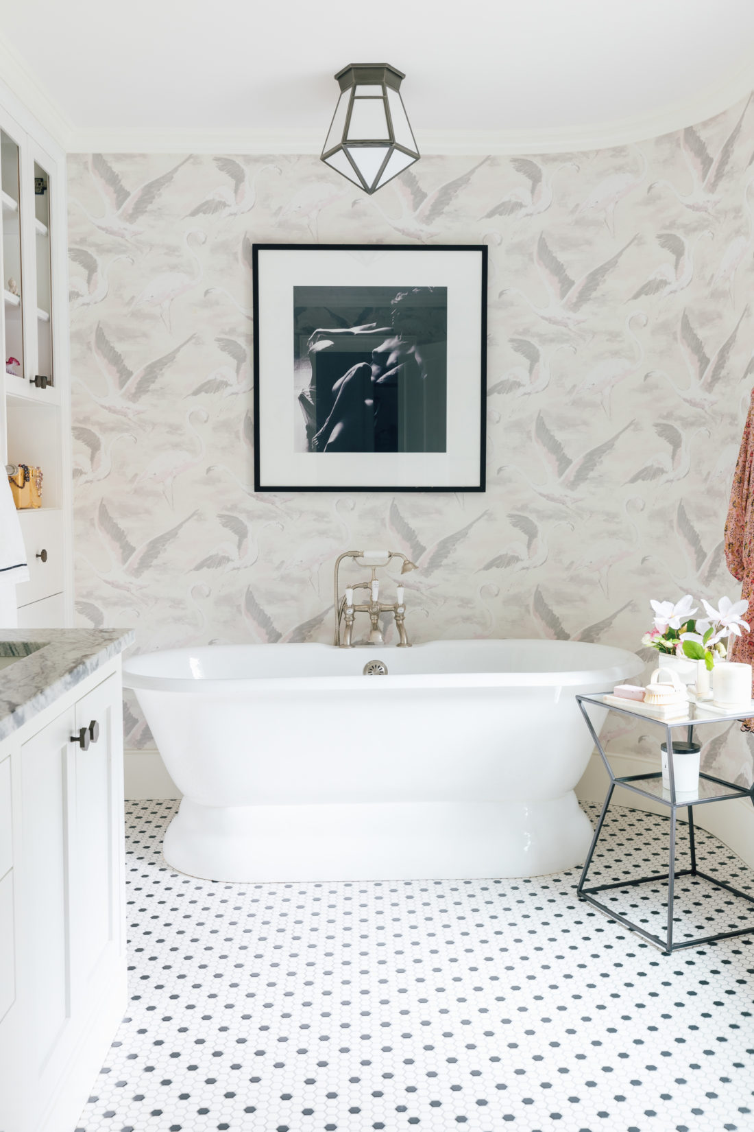 The bathtub in Eva Amurri Martino Master Bathroom
