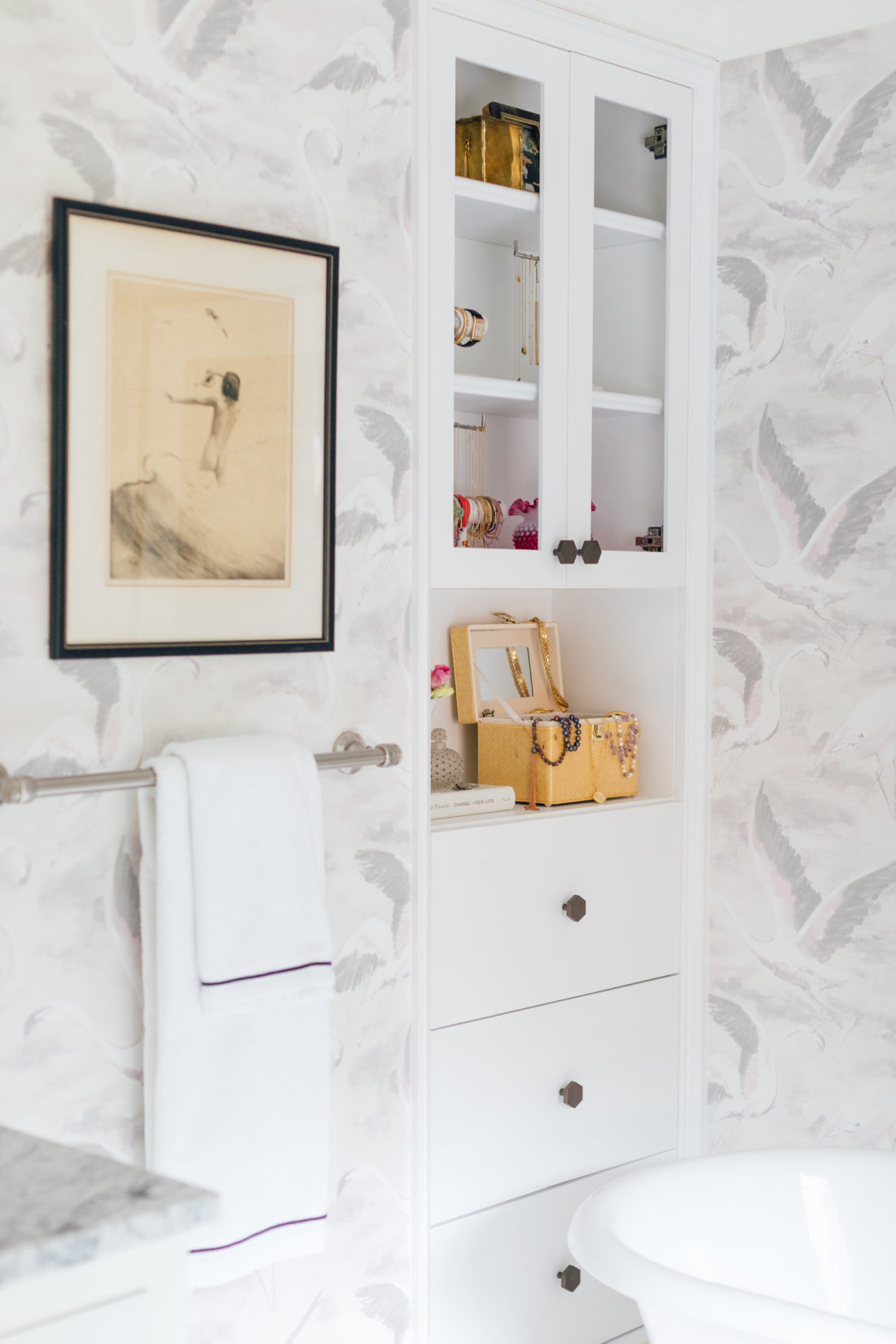 The built in bookcase in Eva Amurri Martino Master Bathroom