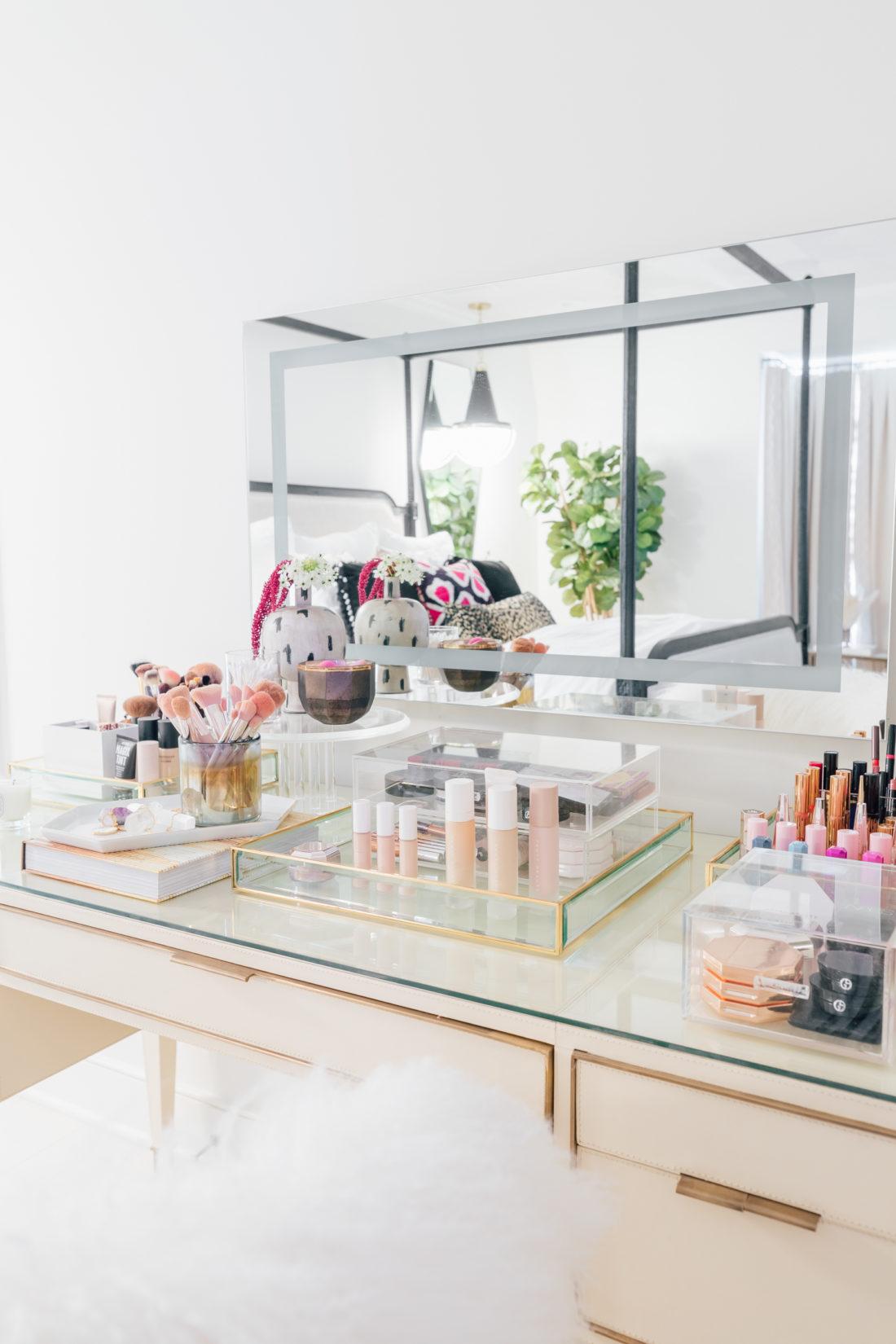 Details on Eva Amurri Martino's vanity