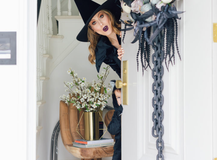 Eva Amurri Martino opens her front door to some trick or treaters