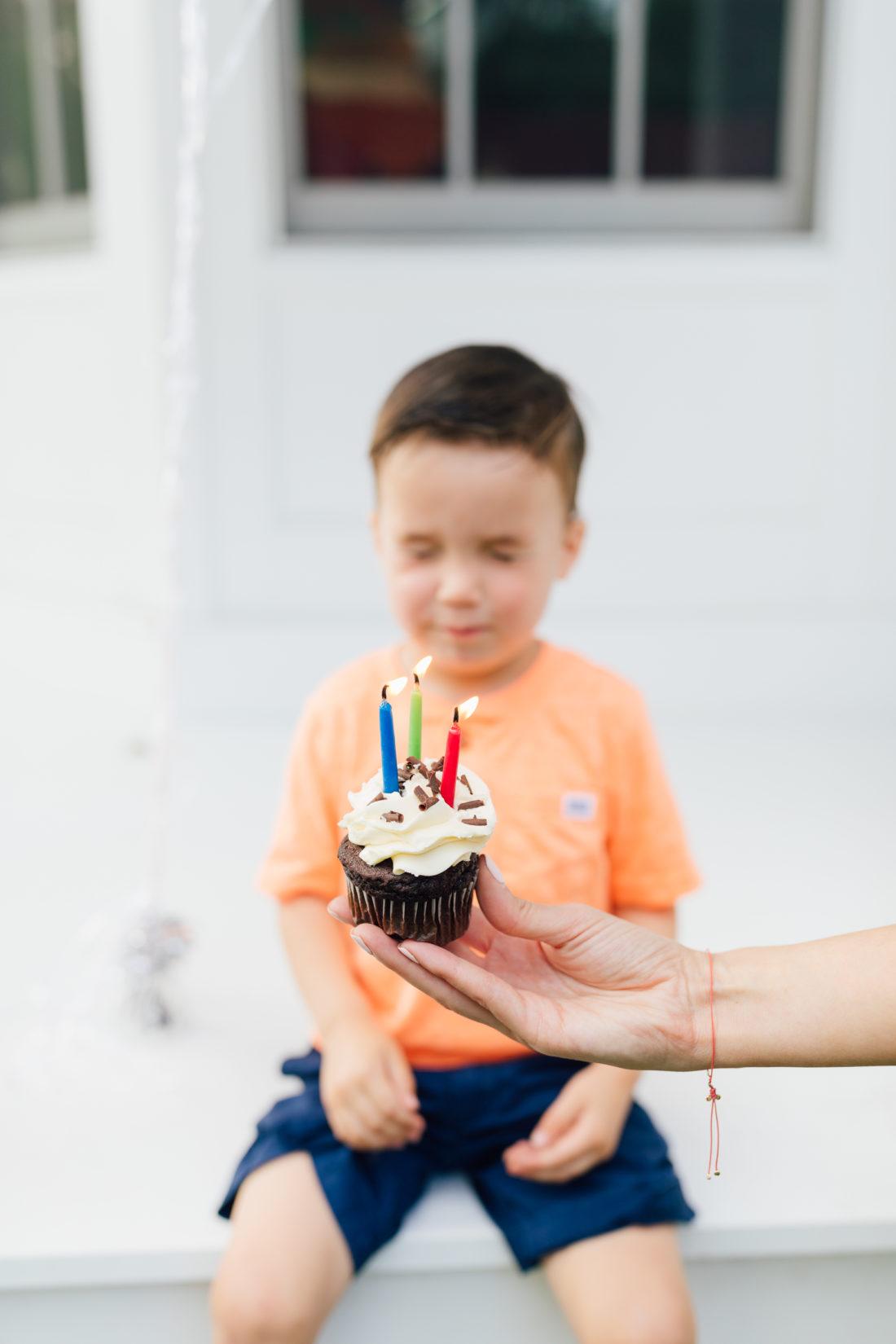 Eva Amurri Martino's son Major blows out the candles on his birthday cupcake