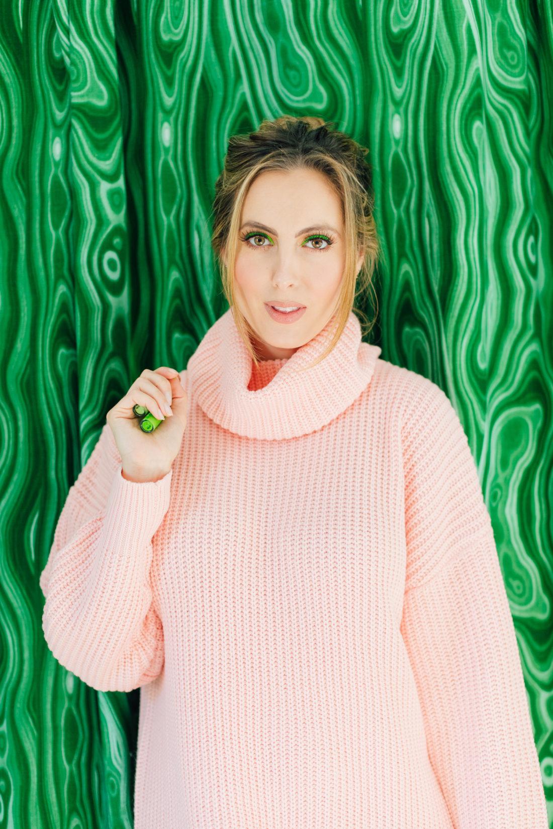 Eva Amurri Martino wears neon green Fenty eyeliner