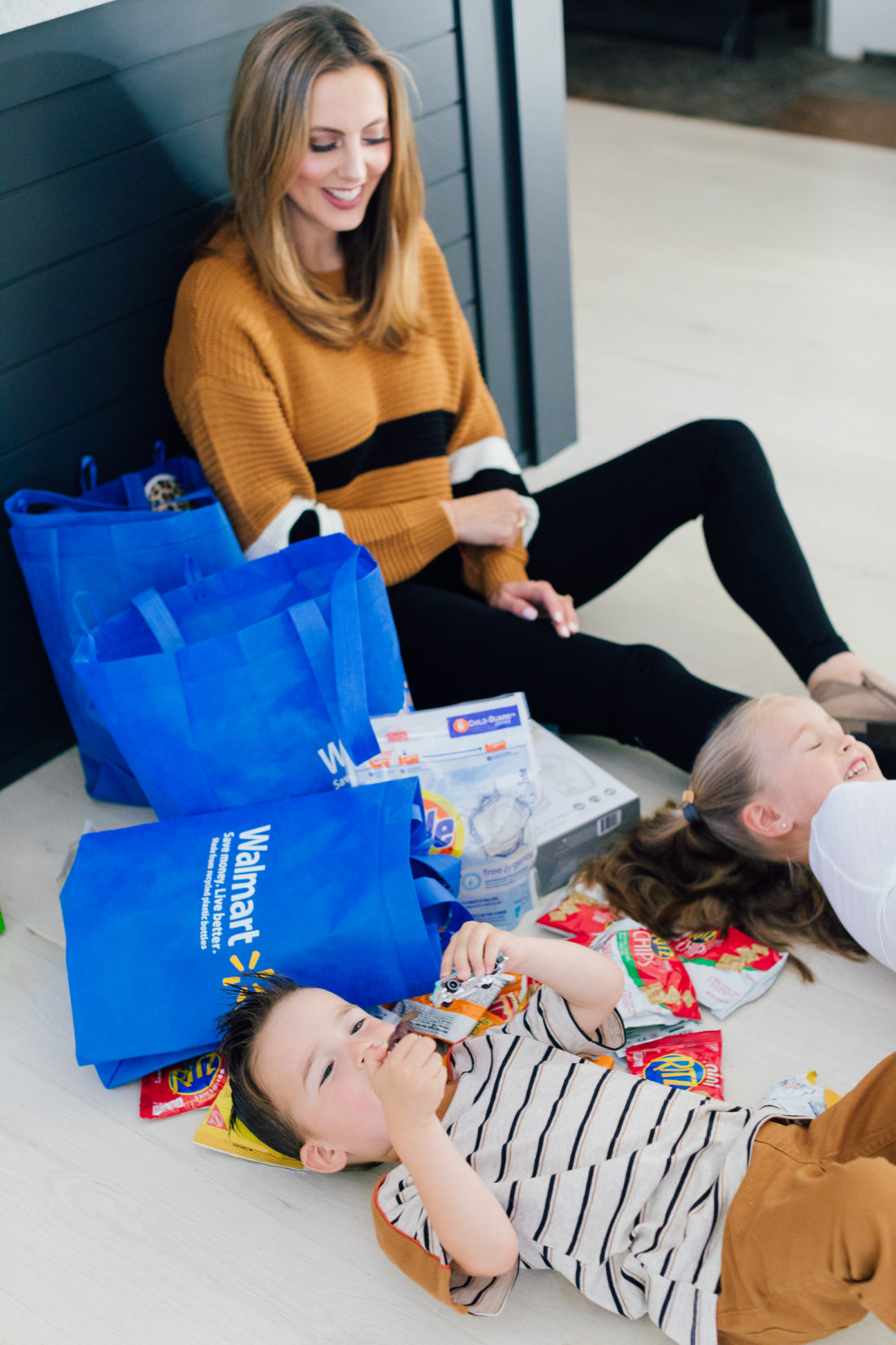 Eva Amurri Martino does a Walmart haul unpacking