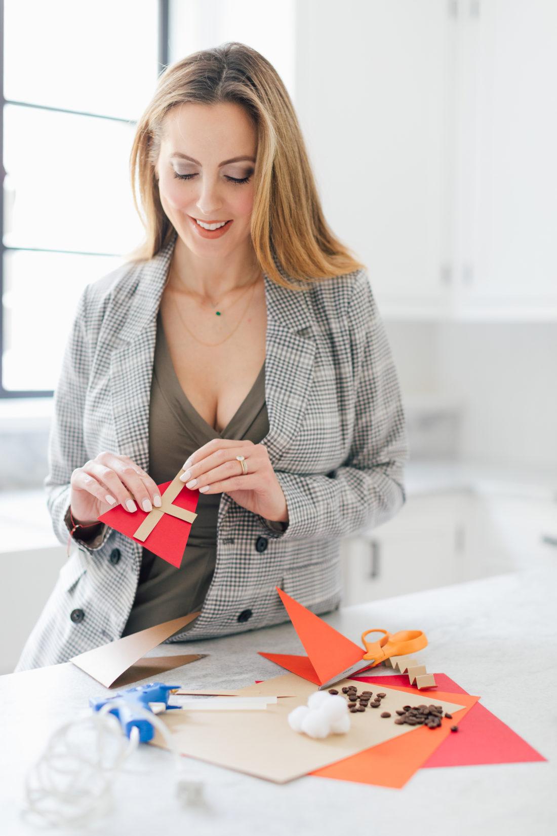 Eva Amurri Martino makes a decorative pie garland out of paper and twine