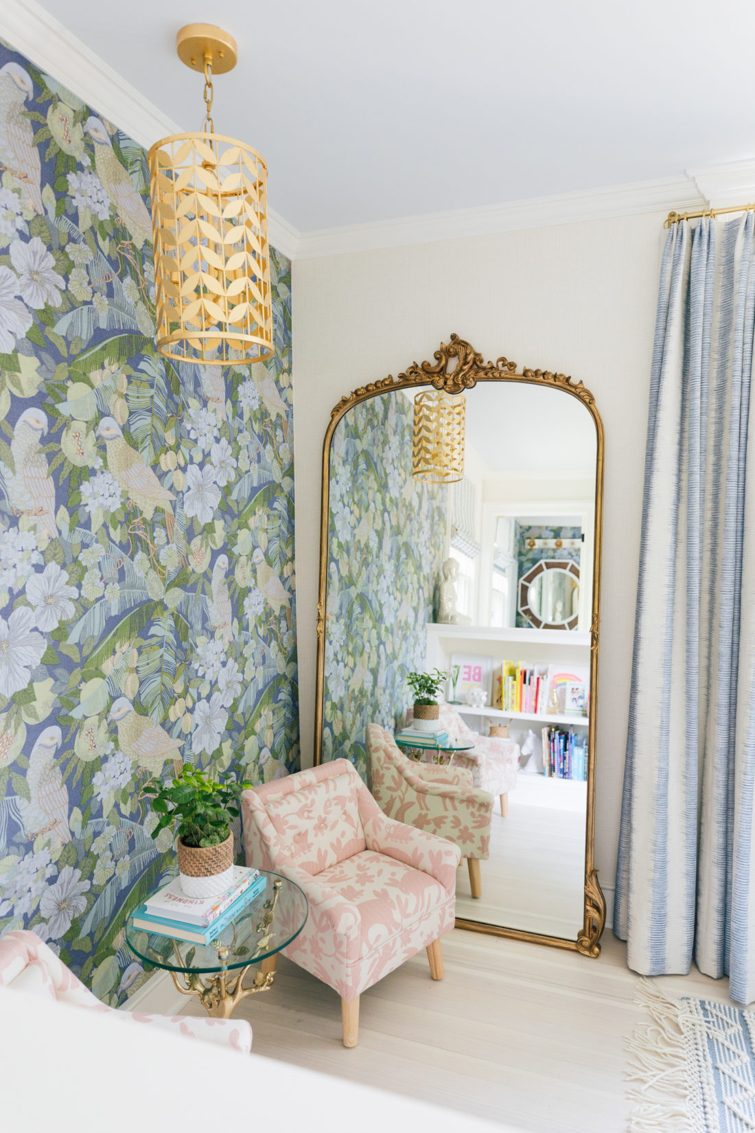 Eva Amurri's daughter Marlowe's Connecticut bedroom featuring Schumacher shade fabric