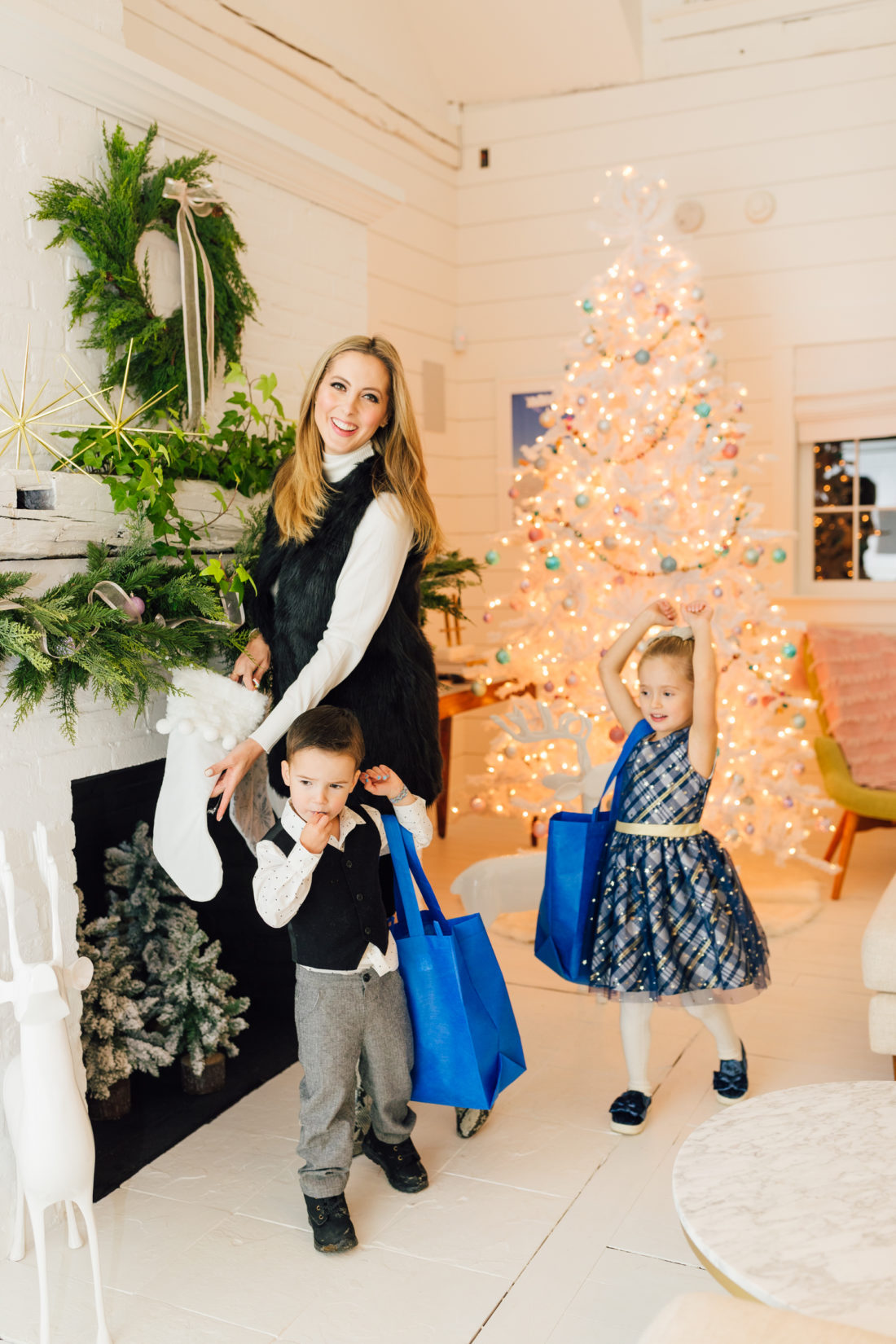 Eva Amurri unboxes products purchased at Walmart