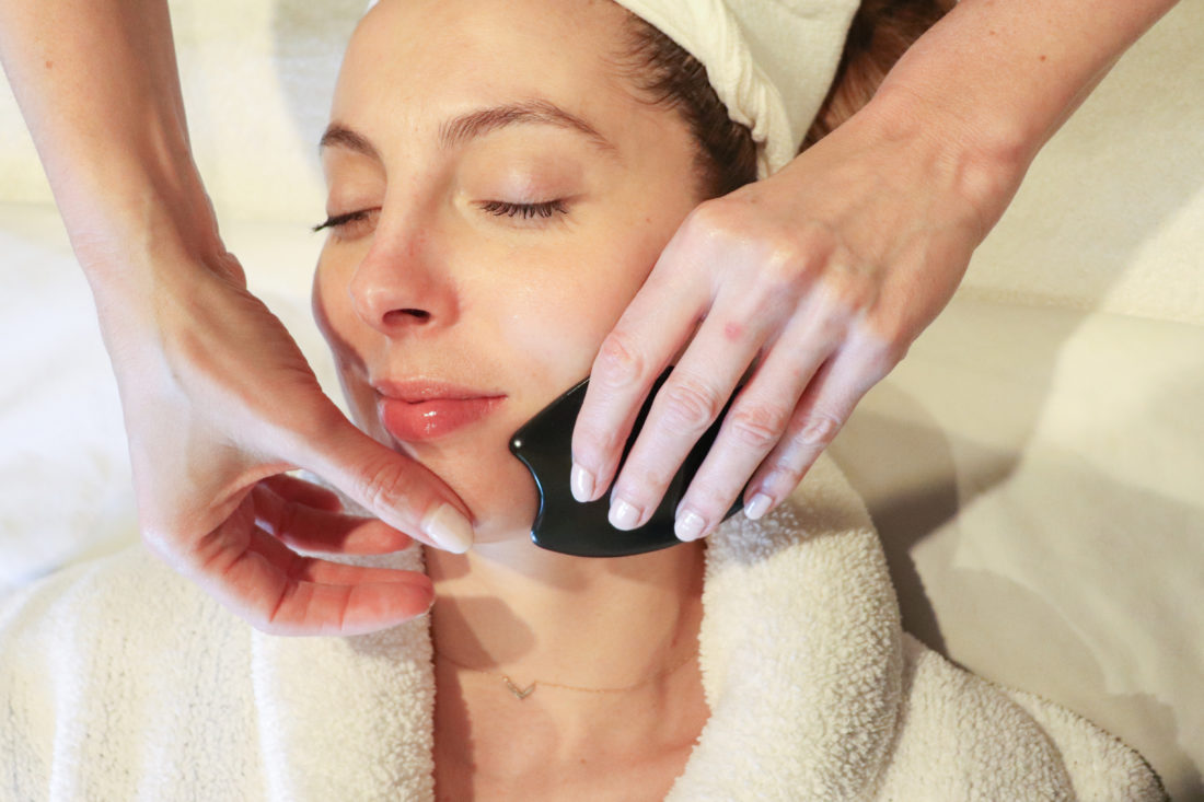 Blogger Eva Amurri gets a Gua Sha treatment