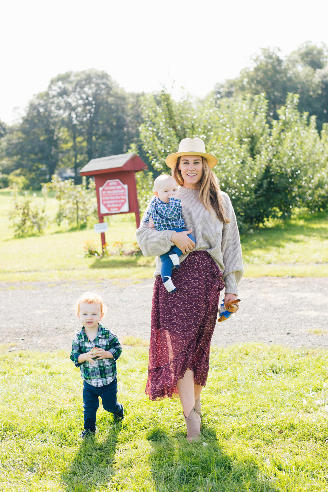 "Blogger Liz Ariola ""Mrs. Nipple"" on surviving Irish Twins"