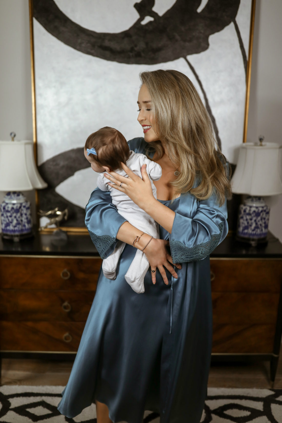 Guest Blogger Mary Orton shares 9 tips for working moms with newborns