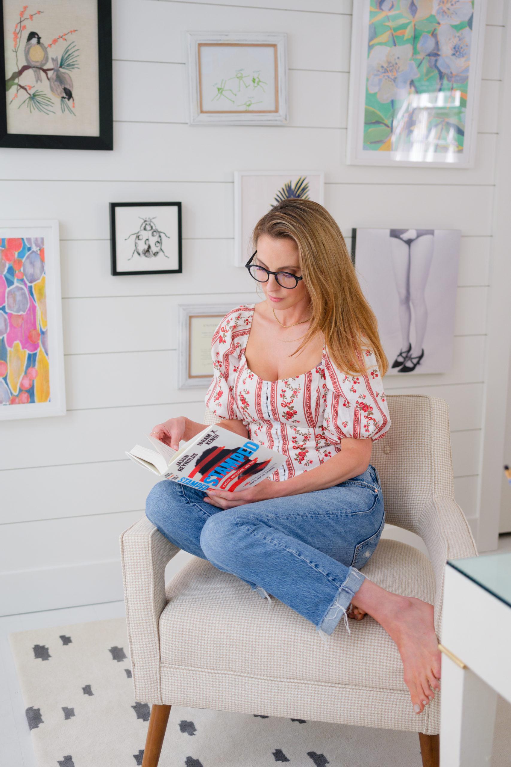 """Eva Amurri unveils the new HEA """"Essential White Reading"""" Book Club"""