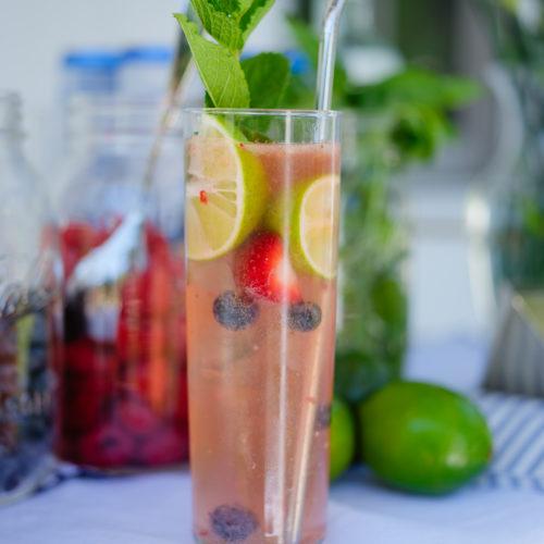 Eva Amurri shares her summer berry mojito bar